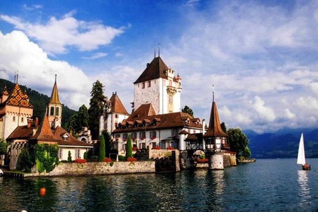 瑞士: Infolab Data srl